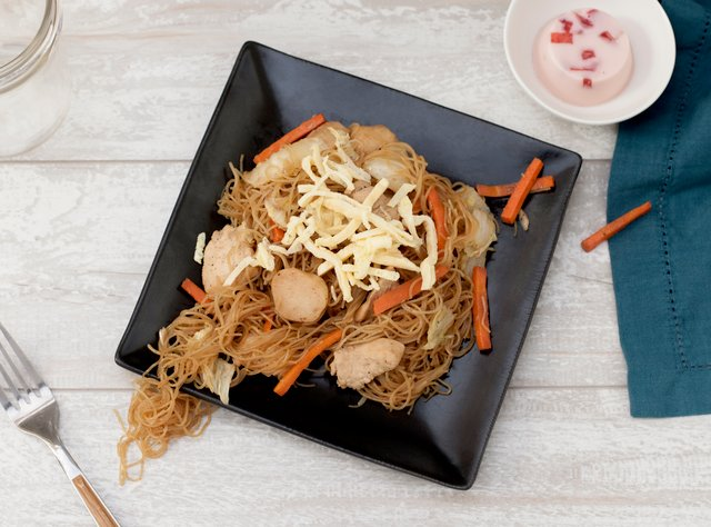 Kid's Stir-Fried Chicken Noodles by Chef Evelyn Hung